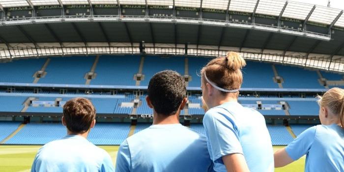 中高生の夏休み短期留学 イギリス・マンチェスター 英語+サッカー エクスカージョン 課外研修 EtihadStadium