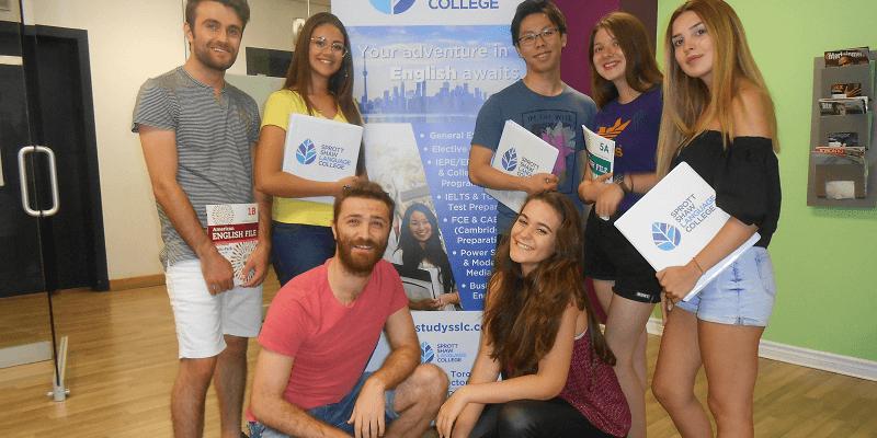 学生社会人シニア大人むけ短期長期語学留学 カナダ オンタリオ州 トロント 語学学校 SSLC Toronto