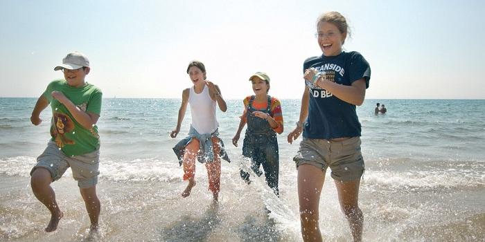 中高生の夏休み短期留学 イギリス・ボーンマスの語学学校で英語レッスン+アクティビティ。人気の留学先で滞在はホームステイ。Anglo-Continental主催 海外ビーチ
