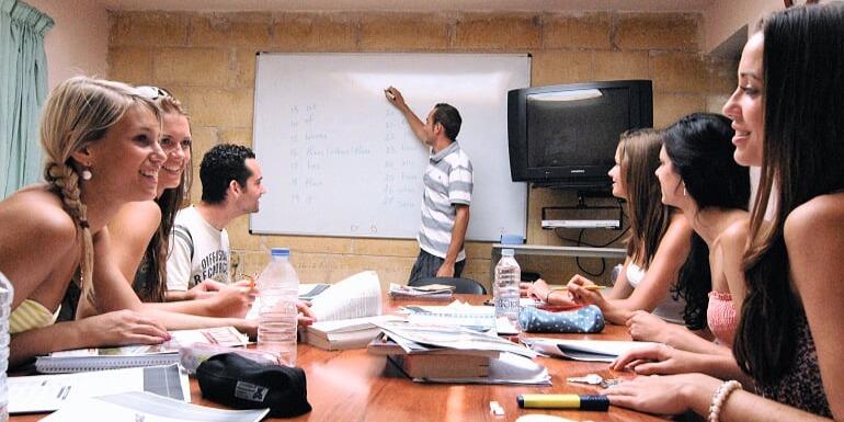ISI国際学院ジュニア中学生・高校生の春休み短期留学 シュプラッハカフェ(Sprachcaffe)マルタ・セントジュリアンズ校