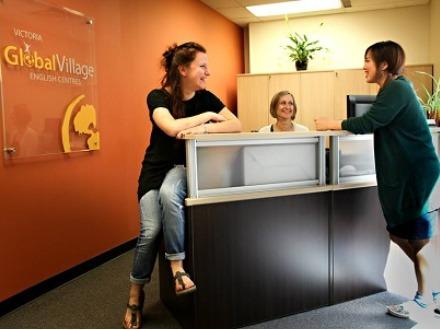 学生社会人シニア大人むけ短期長期語学留学 カナダ ブリティッシュコロンビア州 ビクトリア Global Village Victoria