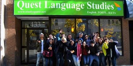 学生社会人シニア大人むけ短期長期語学留学 カナダ オンタリオ州 トロント 語学学校 Quest Language Studies