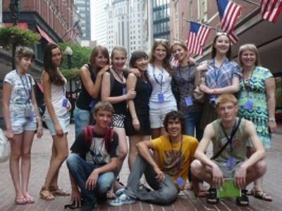 大学生 専門学校生 夏休み短期語学留学 アメリカ ボストン 英語レッスンアカデミックビジネス英語TOEFLIELTS対策 進学 ホームステイレジデンス FLSボストンコモンズ