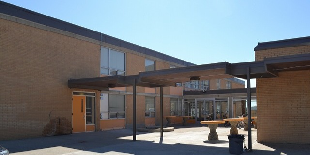 ドラムヘラー・バレー・セカンダリー・スクール Drumheller Valley Secondary School