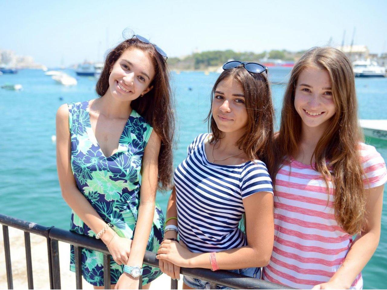 春の地中海で英語を学ぶ