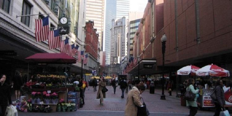 中高生むけ 15才以上夏休み留学 アメリカ・ボストン CEA認可英語コース+アクティビティ ホームステイ滞在 FLS International Discover Boston 街並み