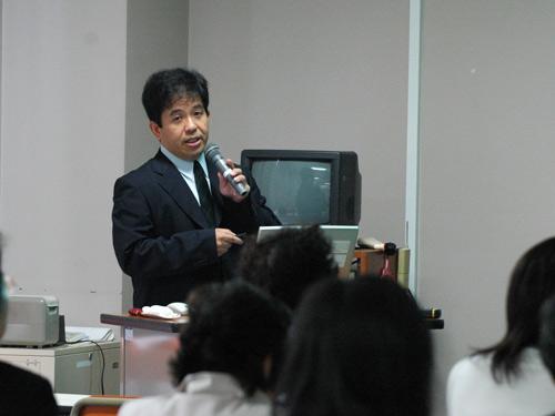 講師の小路先生