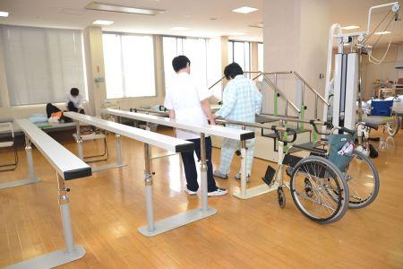 病院のリハビリテーション室