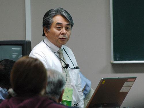 講師の山津先生
