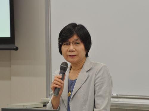講師の中島洋子先生