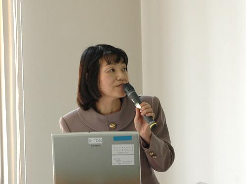 講師の平野信子先生