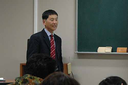 講師の柴山慶先生