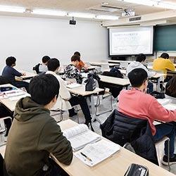 直前対策授業と模擬試験による徹底対策