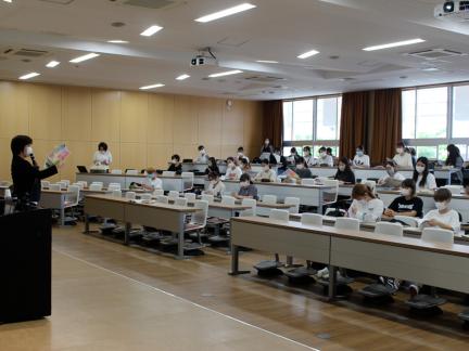 総合ビジネス学科1年次生への就職セミナー