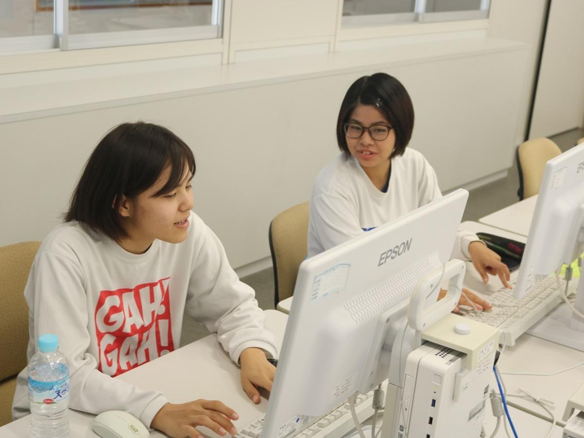 未来のIT人材創造事業_沖縄女子短期大学_産学連携推進室_比嘉勇太