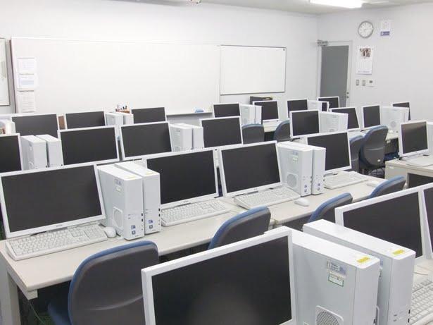 パソコン実習室(25名-50名収容)
