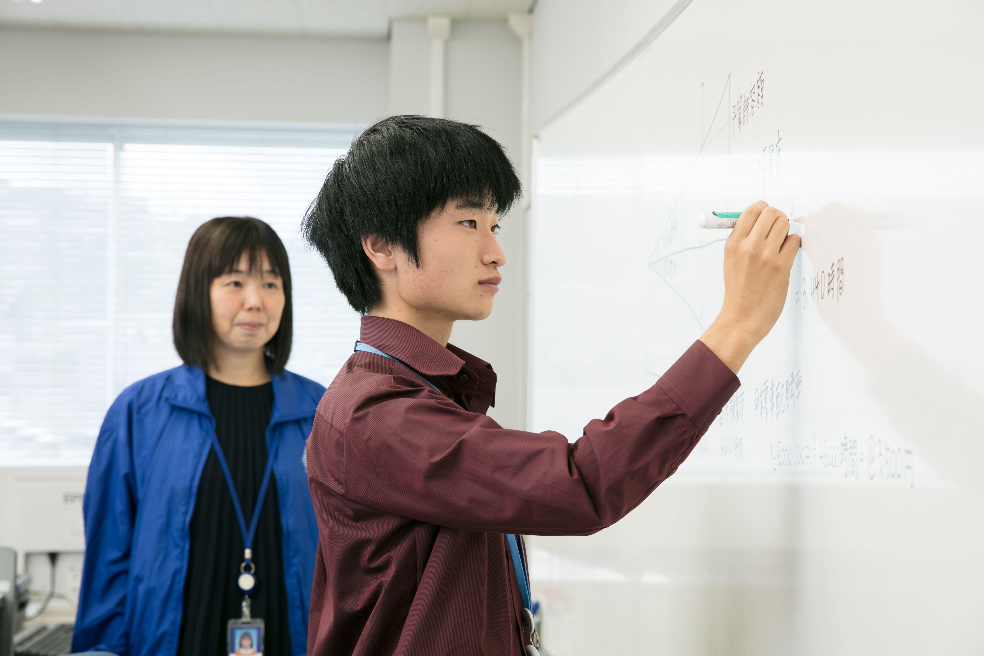 情報ビジネス科授業風景01