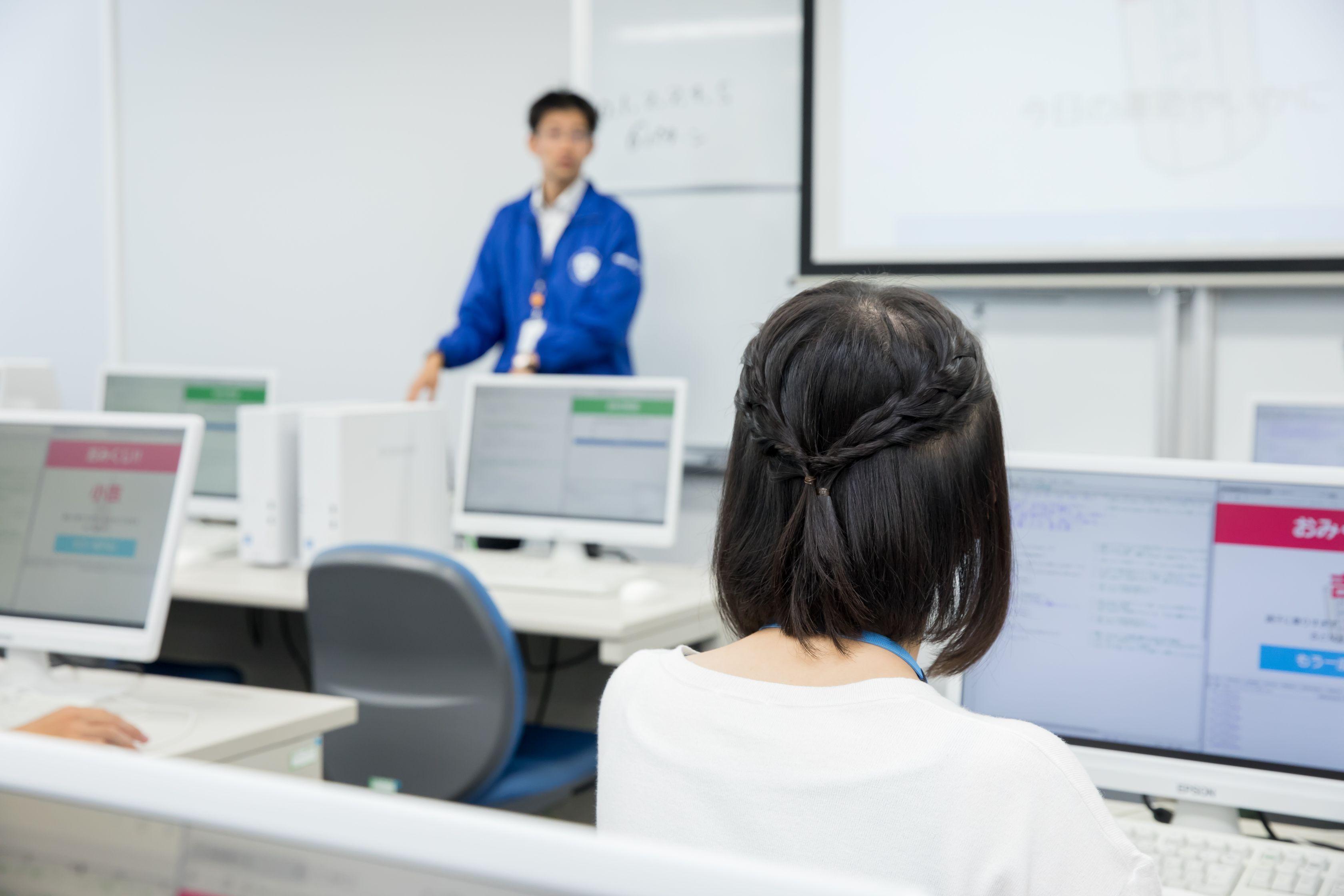 情報システム科授業風景01