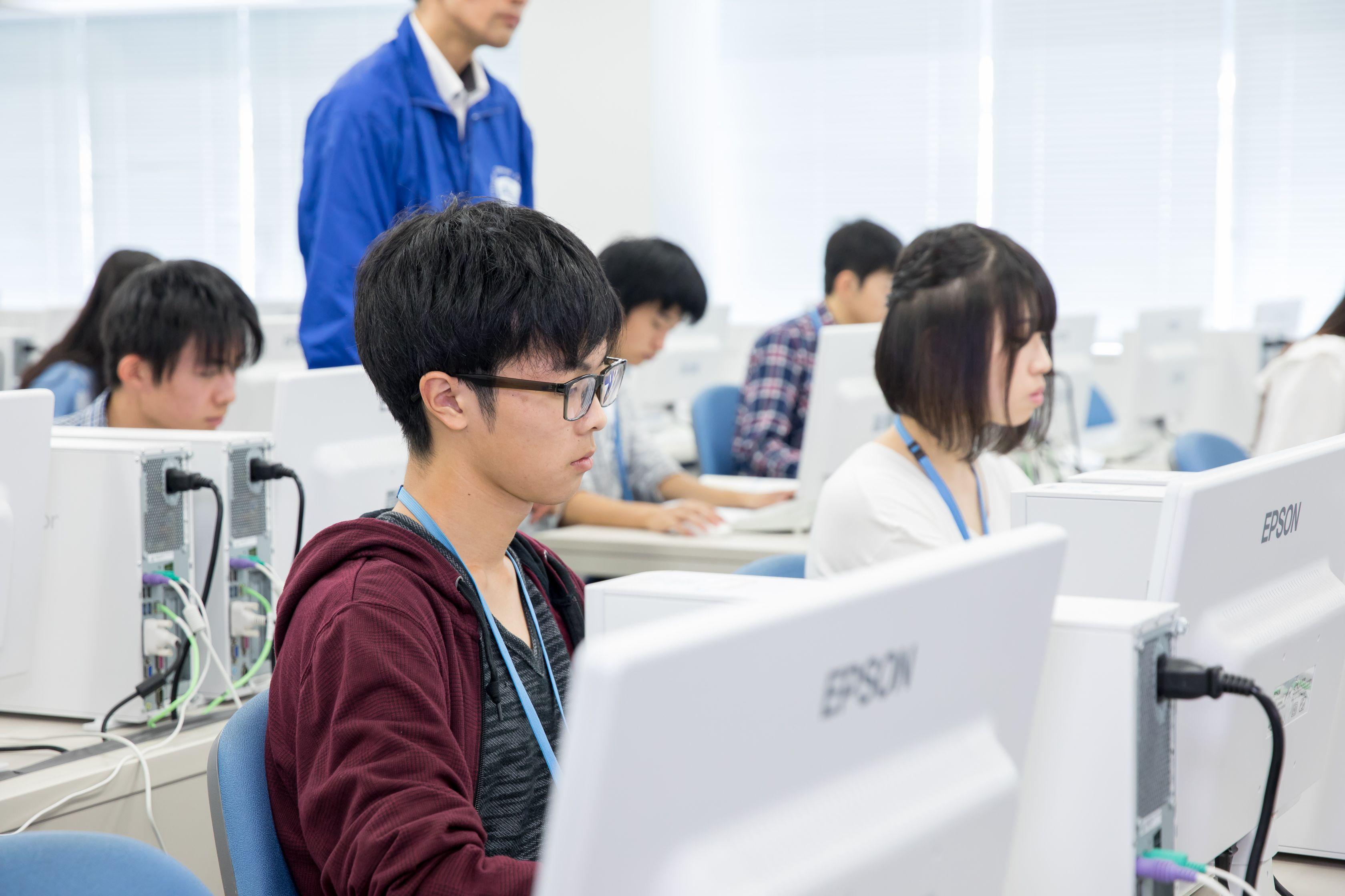 情報システム科授業風景04