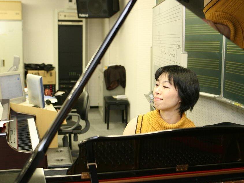 【ポピュラーピアノ講師】井本英子