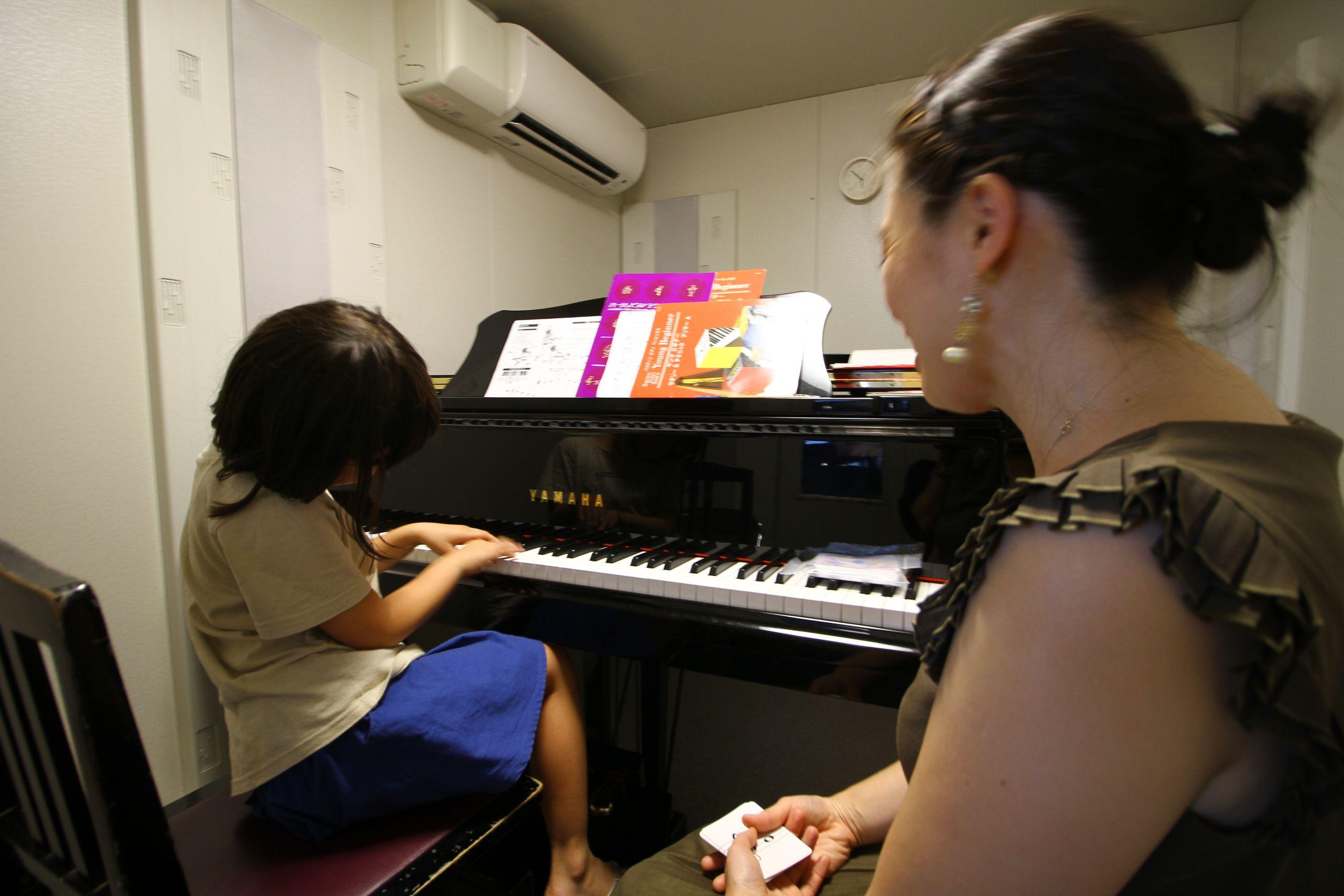 ピアノ くねくね