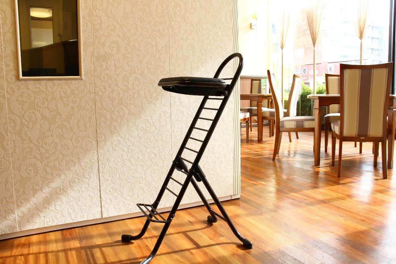コントラバス椅子