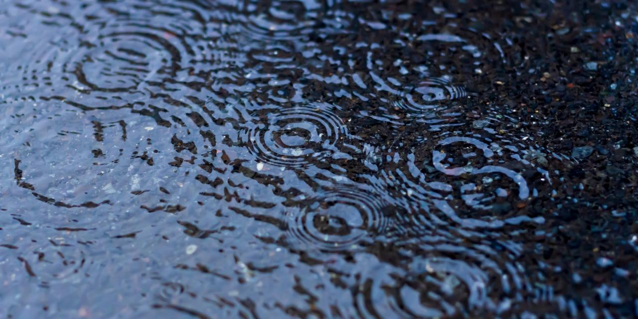 アメフト 雨